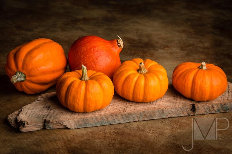 Color Orange in a row